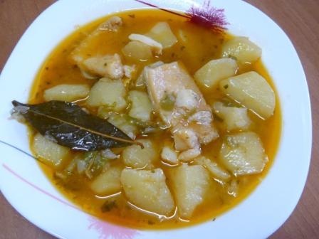 Patatas con bacalao - Patatas en caldo con bacalao ...